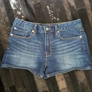 Gap denim shorts size 28